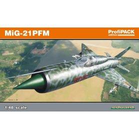 Eduard 1:48 Mikoyan-Gurevich MiG-21PFM ProfiPACK