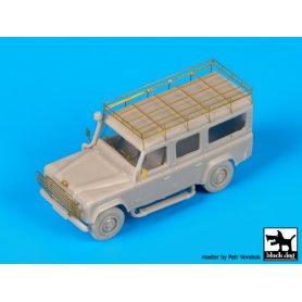 Black Dog Land Rover110