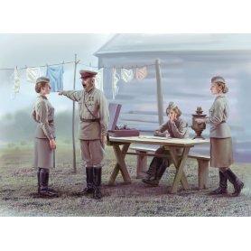 ICM 1:35 35621 SOVIET MILITARY SERVICEWOMEN 1939-1942