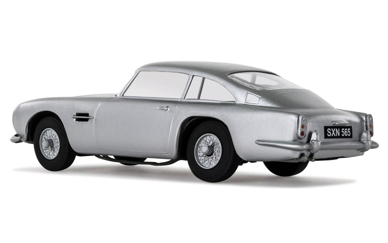 ... Airfix 1:32 Aston Martin DB5 Starter Set ...