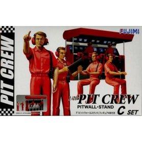 Fujimi 113326 1:20 Pit Crew Set Wall Stand