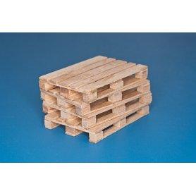 RB Model Paleta z naturalnego drewna.