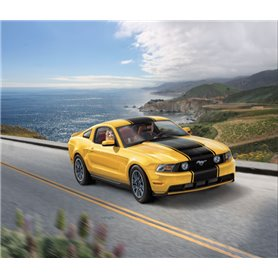 Revell 1:24 2010 Ford Mustang G - MODEL SET - w/paints