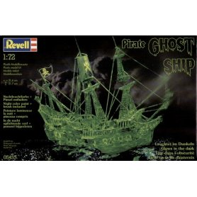 Revell 1:96 Ghost ship with night