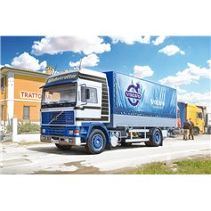 Italeri 1:24 Volvo F16 Globetrotter Canvas - WITH ELEVATOR