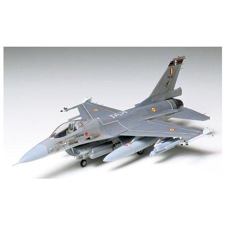 Tamiya 1:72 F-16 Fighting Falcon