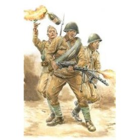 Italeri 1:56 Soviet Infantry