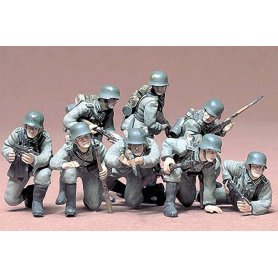 Tamiya 1:35 German Panzergrenadier | 8 figurines |