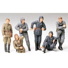 Tamiya 1:35 Russian tank crew at rest | 6 figurek |