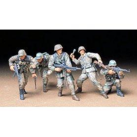 Tamiya 1:35 German front line infantry | 5 figurines |