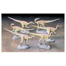 Tamiya 1:35 Velociraptors / 6pts.