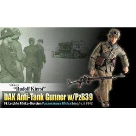 DRAGON 70820 DAK SLDIER W/ANTI TANK