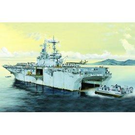 HOBBY BOSS 83403 1/700. USS Essex LHD-2