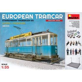Mini Art 38009 European Tramcar + crew & passang.