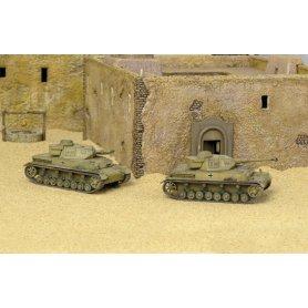 Italeri 1:72 Pz.Kpfw.IV Ausf.F1 / Ausf.F2 | 2in1 |