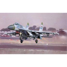 TRUMPETER 1:32 02224 SUKHOI SU-27 FLANKER B