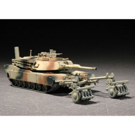 Trumpeter 1:72 M1A1 with Mine Roller Set